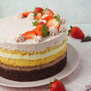 Schoko-Vanille-Erdbeer-Torte