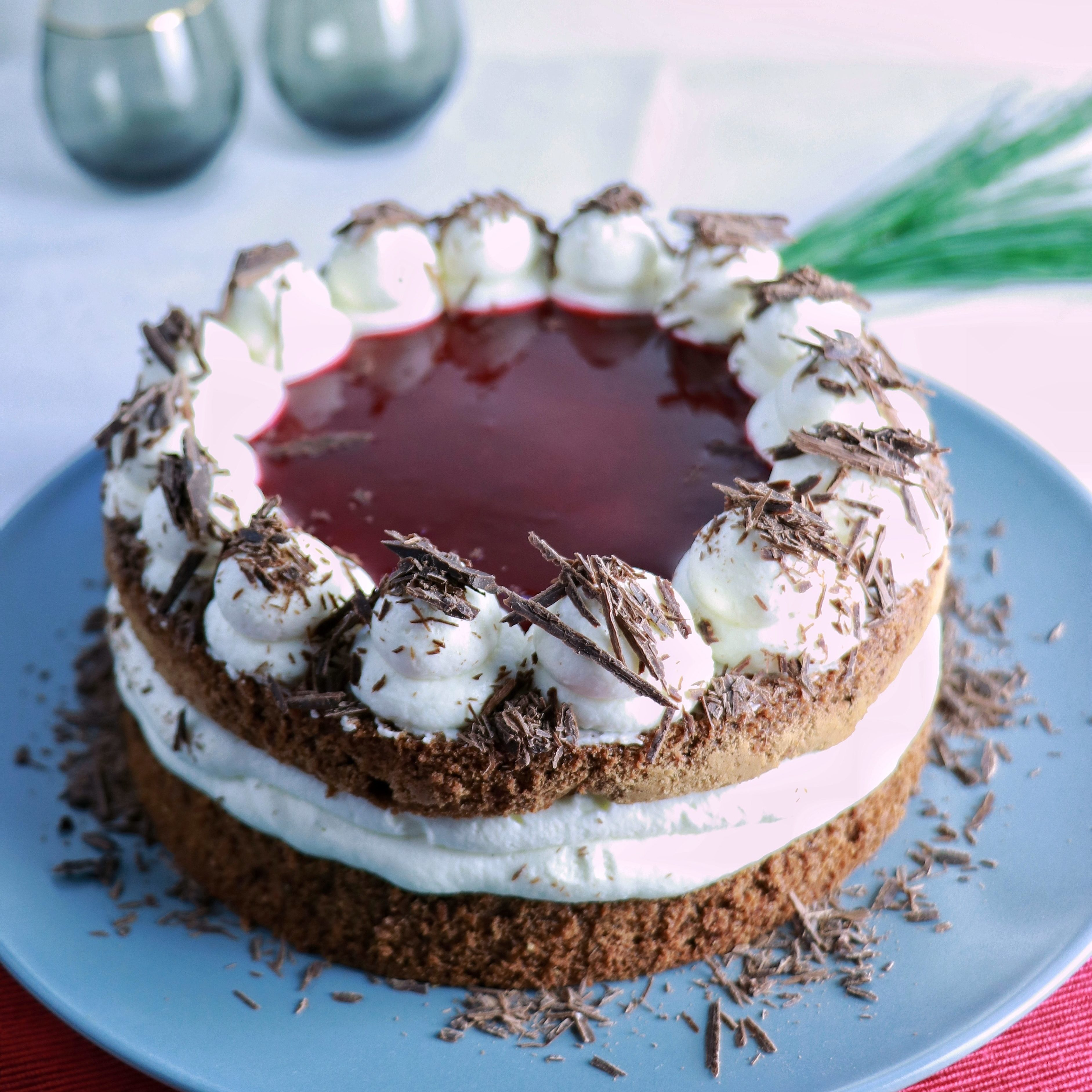 Schoko-Himbeer-Torte mit Quark-Sahnecreme