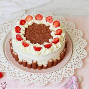 Erdbeer-Yogurette-Torte